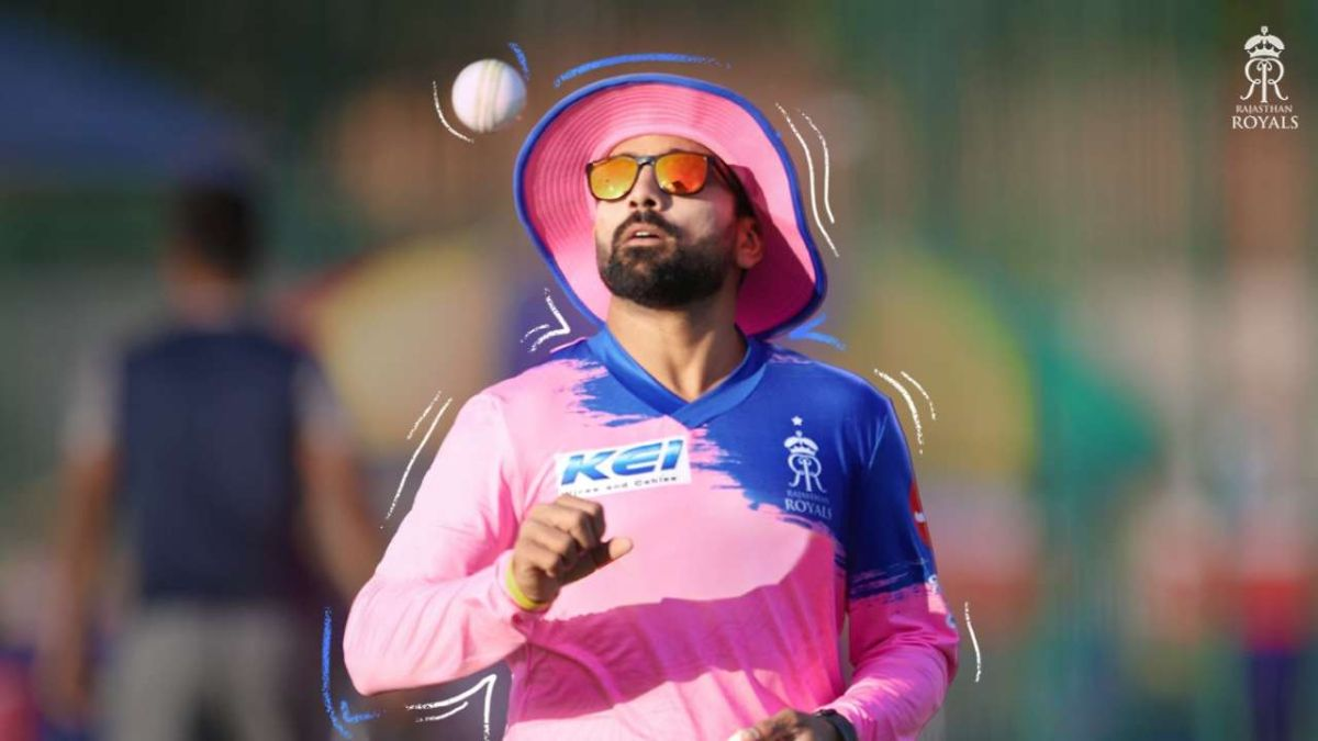 Rajasthan Royal's Fielding Coach Diagnosed With COVID-19