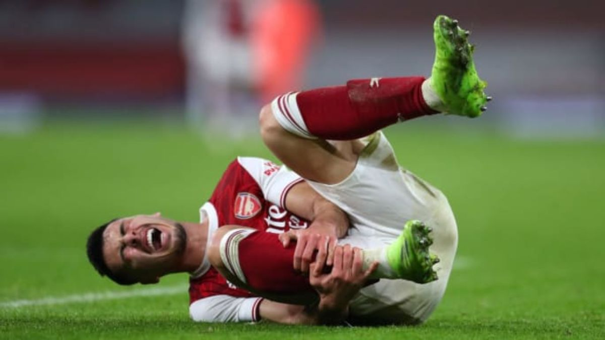 Arsenal Striker Gabriel Martinelli Limps Off Against Manchester City After Recovery From Previous Long-Term Injury